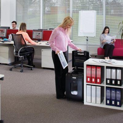 Máy hủy giấy sử dụng trong văn phòng hoạt động như thế nào ?