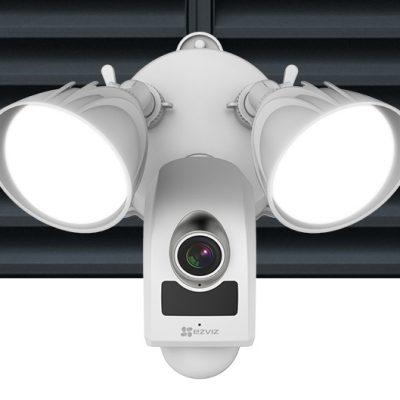 Camera IP ngoài trời tích hợp đèn pha2.0 Megapixels EZVIZ LC1 CS-LC1-A0-1B2WPFRL
