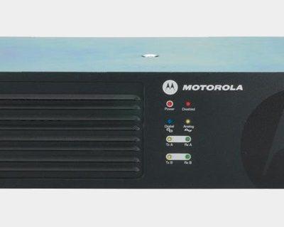 Máy trạm chuyển tiếp tín hiệu(Repeater)kỹ thuật số Motorola XIR R8200